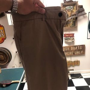 Men's Haggar 34x32 Khaki Dress Pants